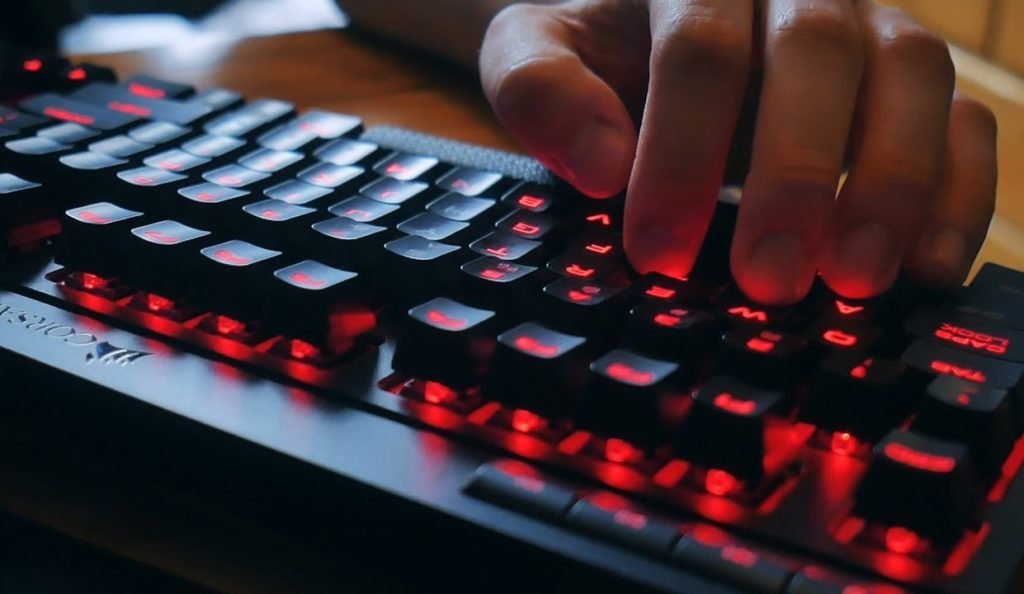 The Best Compact Gaming Keyboards: Buyer's Guide 2019 | Geek + Leisure