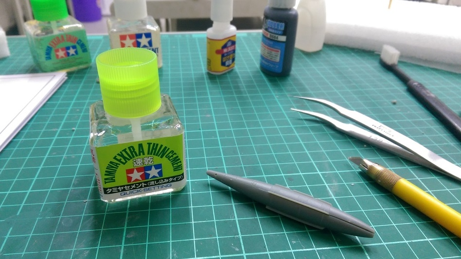 The Best Glue for Models & Miniatures: Buyer's Guide 2019 | Geek +